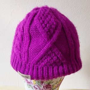 Columbia Cabled Cutie Beanie Hat Hot Purple Pink